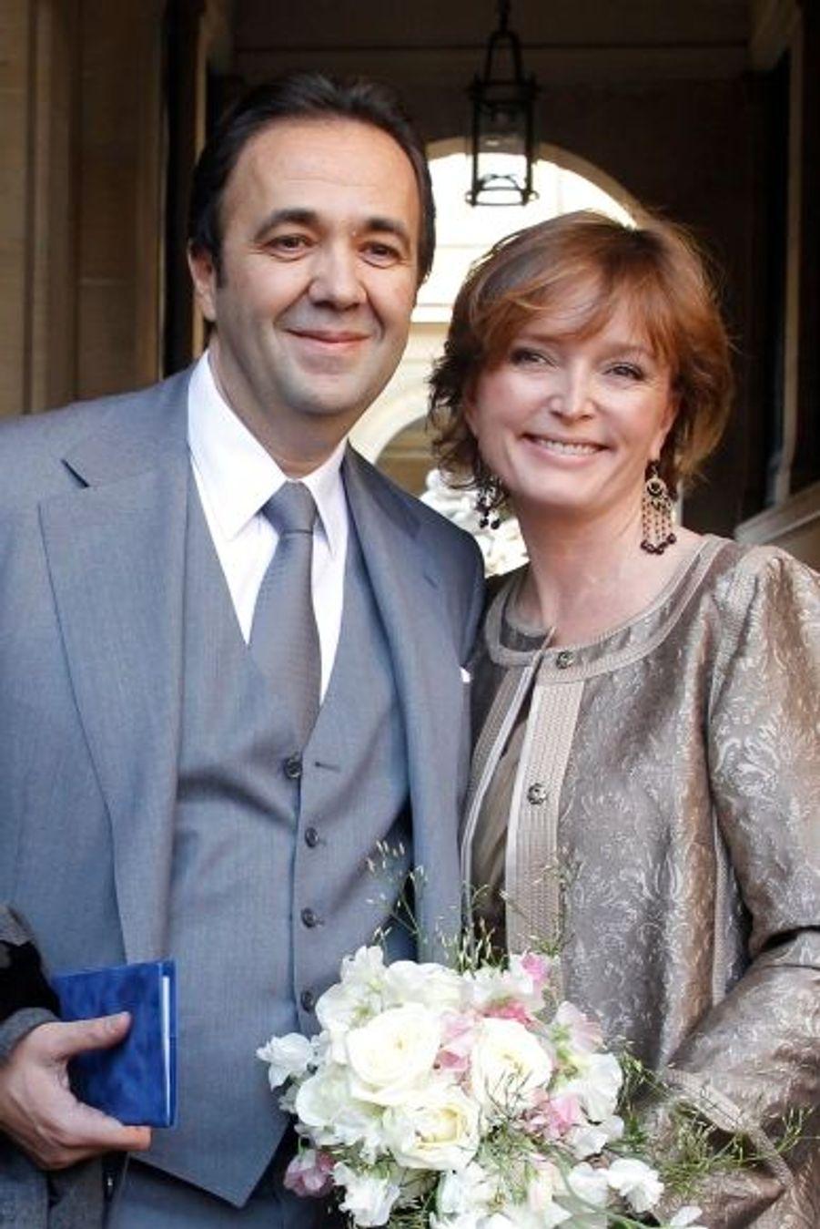 Ancien secrétaire général de l'Elysée sous Jacques Chirac, de 2005 à 2007, avocat de formation, Frédéric Salat-Baroux, âgé de 47 ans, est le deuxième mari de Claude Chirac.