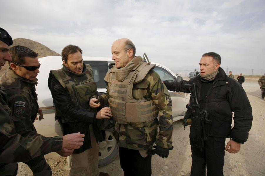Retour à l'action : le ministre de la Défense passe Noël 2010 avec les militaires en Afghanistan