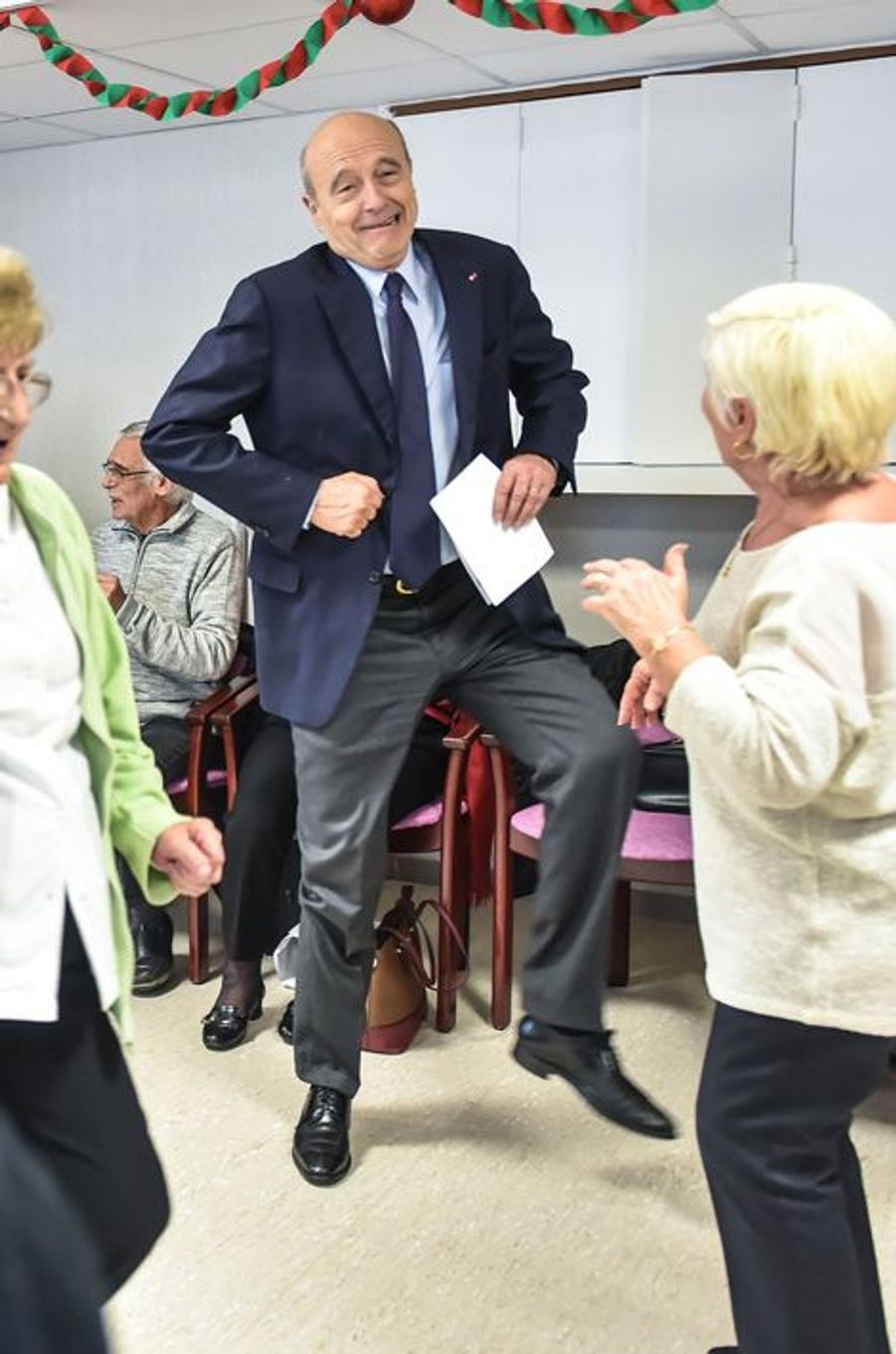 Alain Juppé s'est essayé à quelques pas de danse à Bordeaux