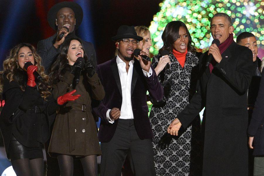 Ne-Yo et la famille Obama à l'inauguration des illuminations de la Maison Blanche