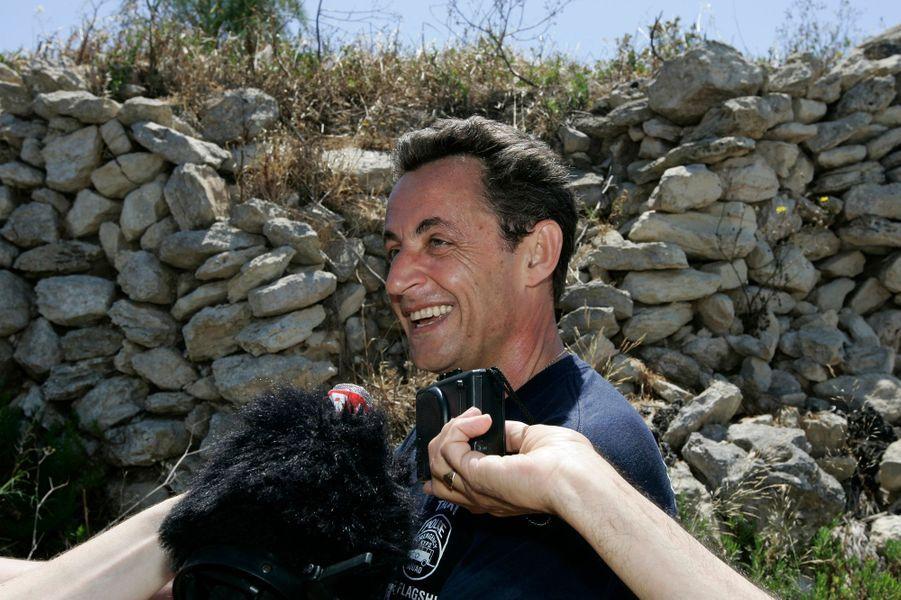 Nicolas Sarkozy lors de ses vacances controversées à Malte, en mai 2007, quelques jours après son élection.