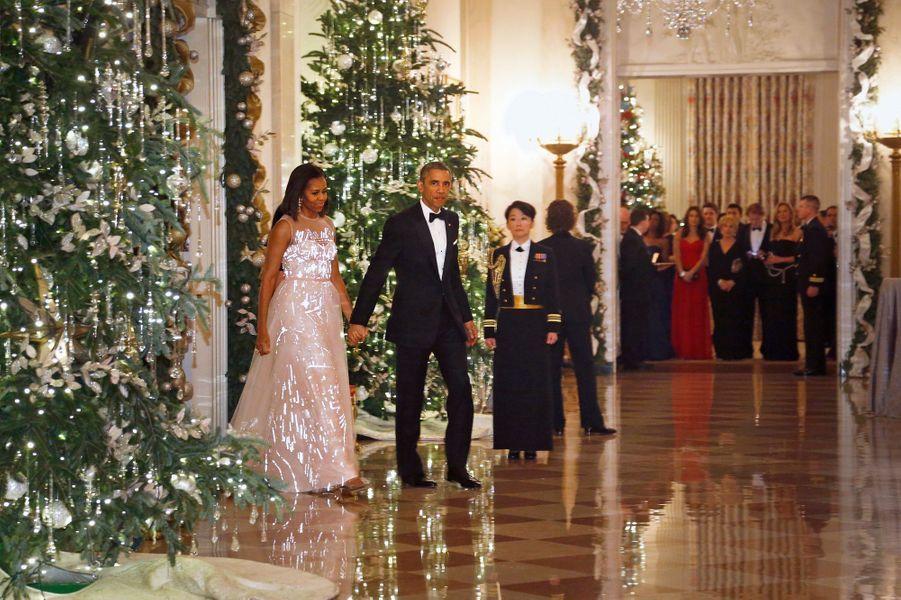 Barack et Michelle Obama arrivent au gala des Honneurs du Kennedy Center à Washington, le 7 décembre 2014