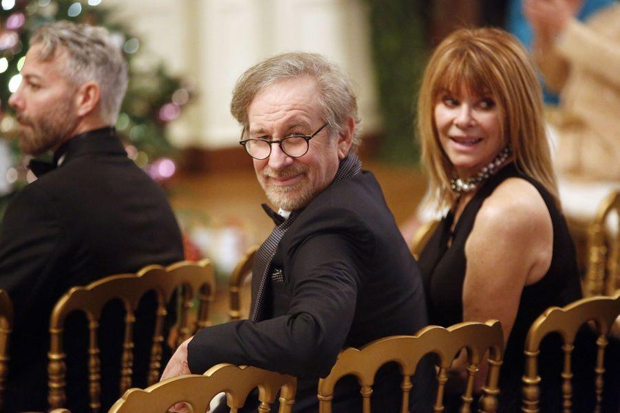 Steven Spielberg et sa femme l'actrice Kate Capshaw à la Maison blanche à Washington, le 7 décembre 2014