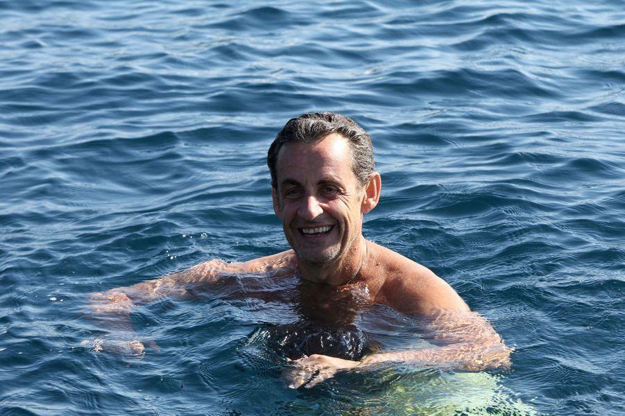 Nicolas Sarkozy En Vacances Loin De La Tourmente