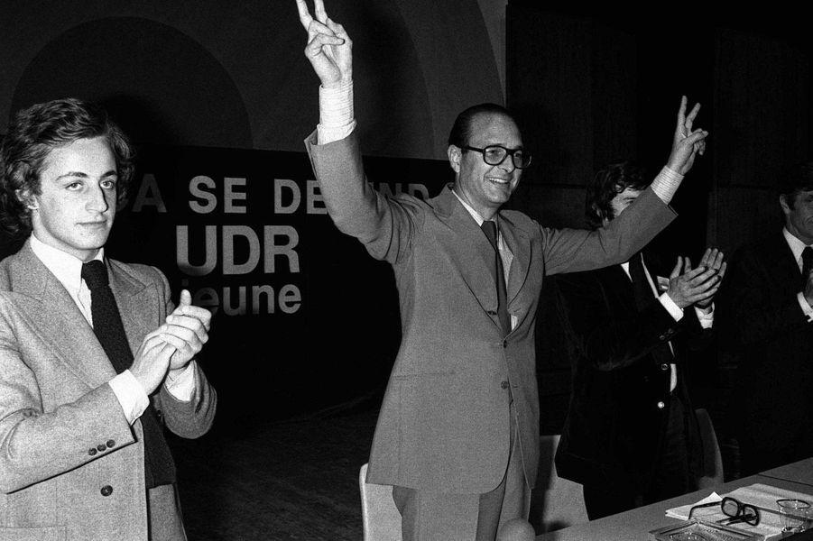 1976, jeune militant aux côtés de Jacques Chirac