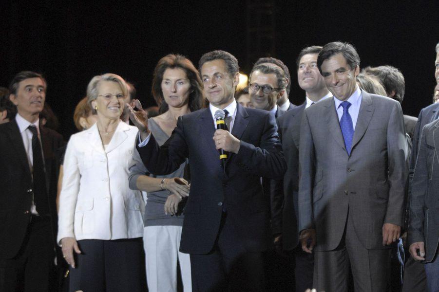 Le soir du 6 mai 2007, tous les soutiens du nouveau président de la République se sont retrouvés place de la Concorde, pour fête la victoire. Cécilia est alors à ses côtés. Quelques mois plus tard, le couple se séparera.