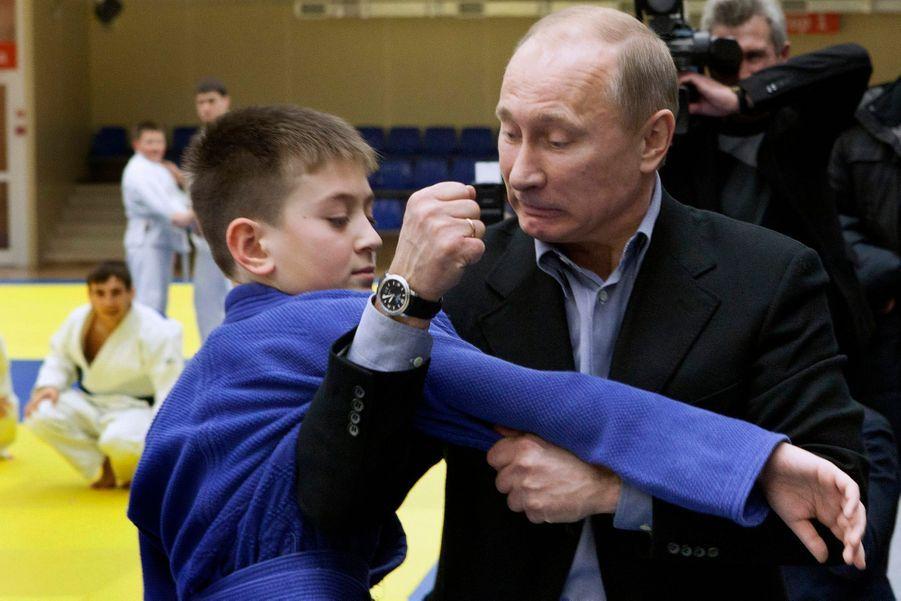 Vladimir Poutine en démonstration de judo à Kemerovo, en janvier 2012