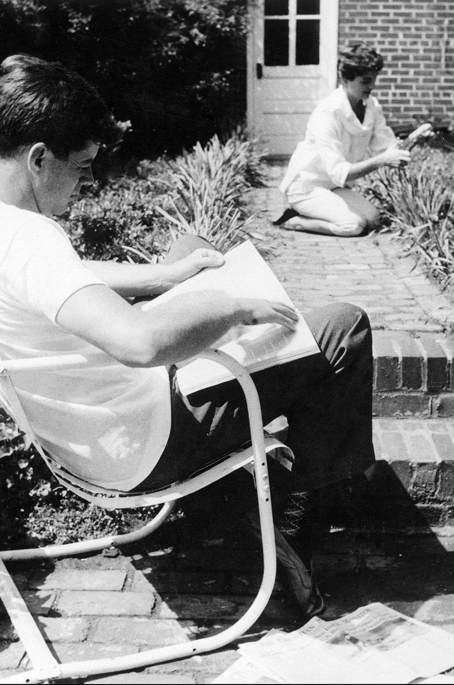 John et Jackie Kennedy en 1953
