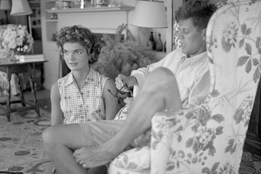 John et Jackie Kennedy en juin 1953