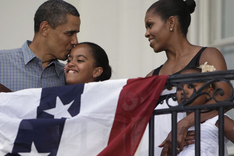 Barack, Malia, Michelle et Sasha Obama, en juillet 2009.