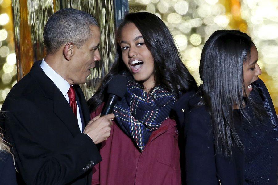 Barack Obama et sa fille Malia, en décembre 2015.