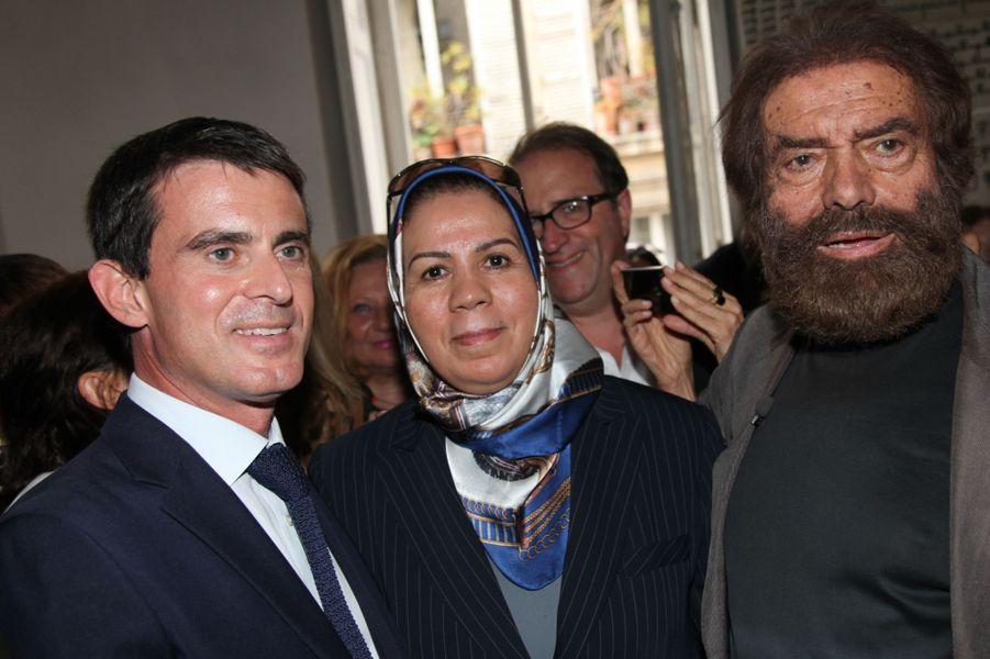 Manuel Valls, Latifa Ibn Ziaten et Marek Halter à Paris, le 28 septembre 2014