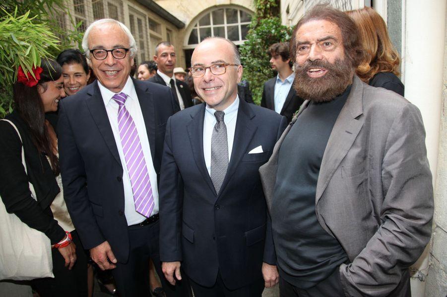 Yossi Gal, Bernard Cazeneuve et Marek Halter à Paris, le 28 septembre 2014