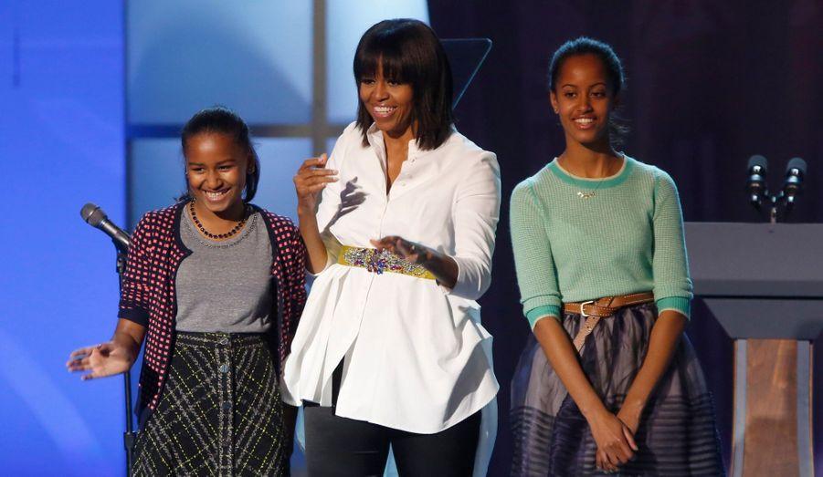 """Michelle Obama et ses filles étaient samedi soir les hôtesses de marque du Kids Inaugural concert, donné pour les enfants et les familles de soldats à l'occasion de """"l'inauguration"""" du second mandat de Barack qui commencé dimanche. Au programme : Katy Perry, Usher, Nick Cannon..."""