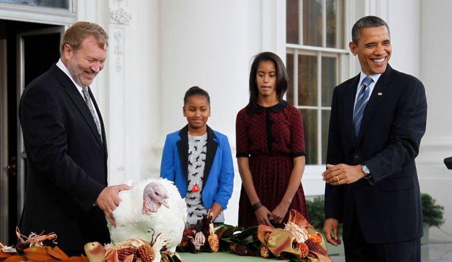 Comme tous les ans à l'occasion de Thanksgiving, Barack Obama gracie une dinde.