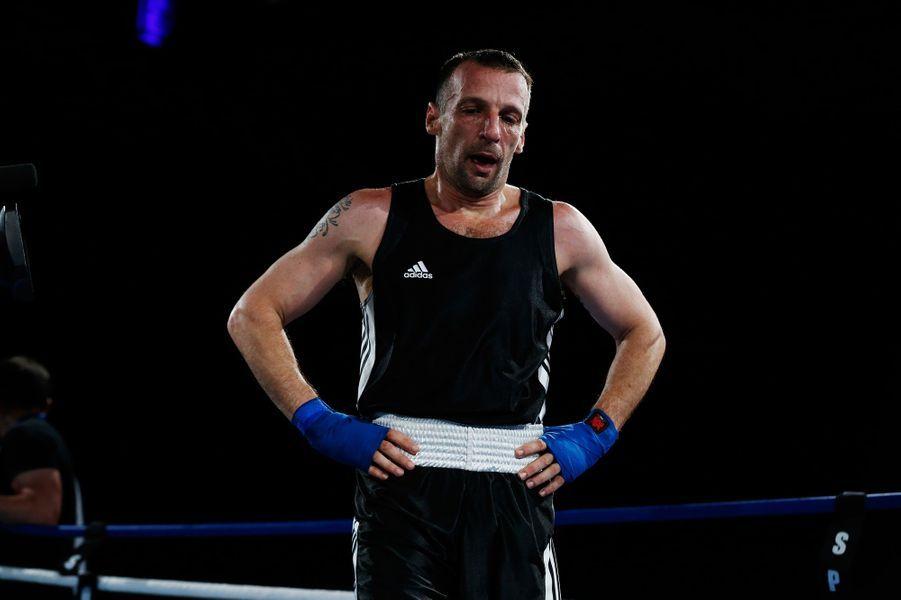 Mathieu Kassovitz samedi soir à Deauville lors de son premier combat de boxe anglaise amateur.