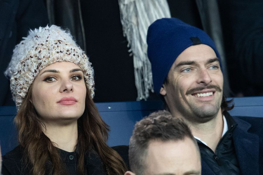 Camille Lacourt et sa chérie Alice Detollenaeredans les tribunes du match opposant le PSG à Bordeaux, au Parc des Princes de Paris, le 23 février 2020. Le PSG a gagné 4-3.