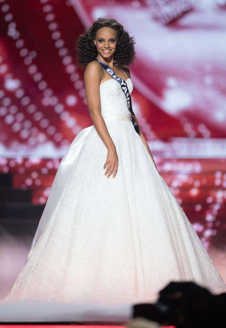 Alicia Aylieslors de l'élection de Miss France 2017 à Montpellier le 17 décembre 2016
