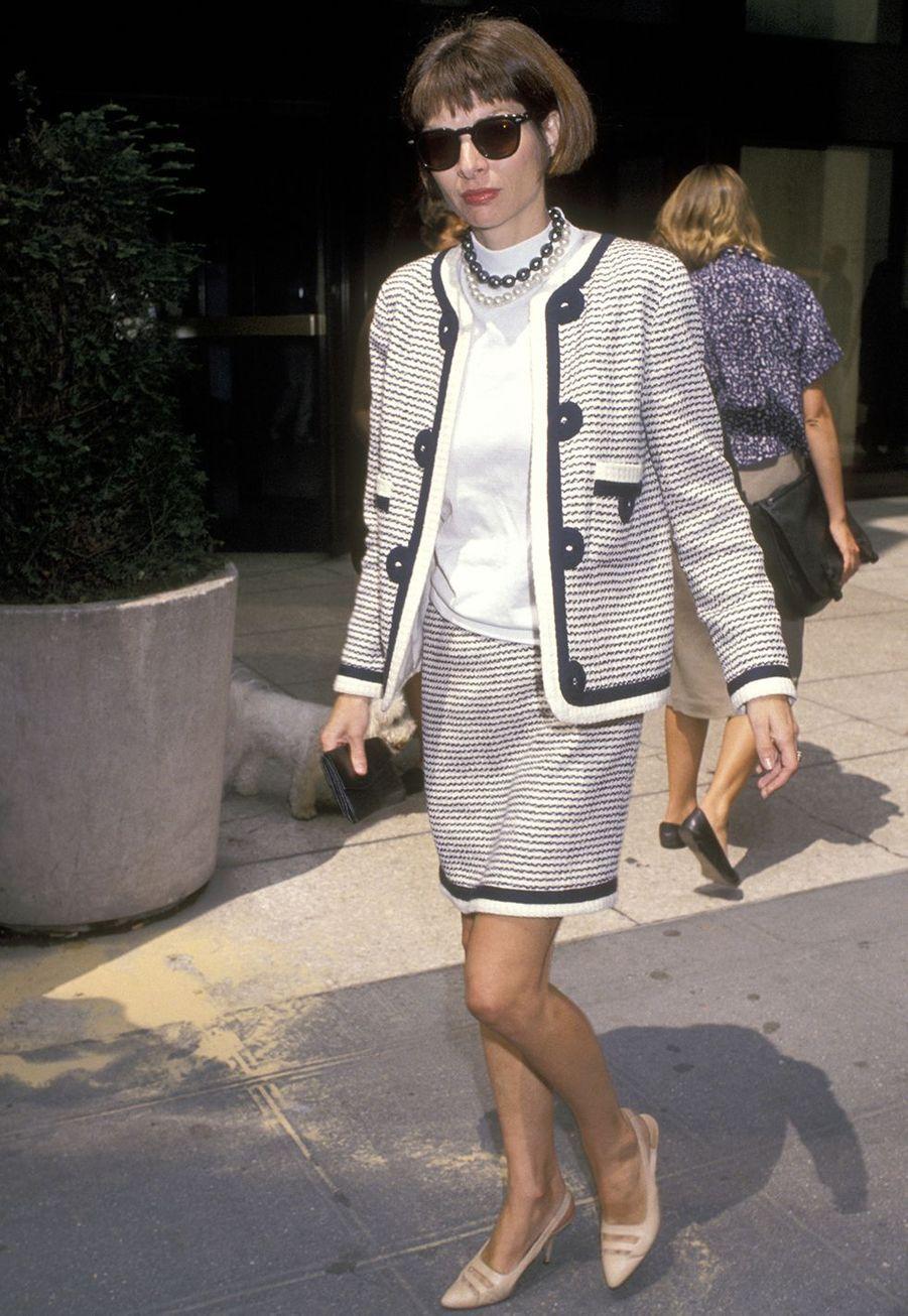 Anna Wintour devantl'immeuble Conde Nast à New York en août 1989.