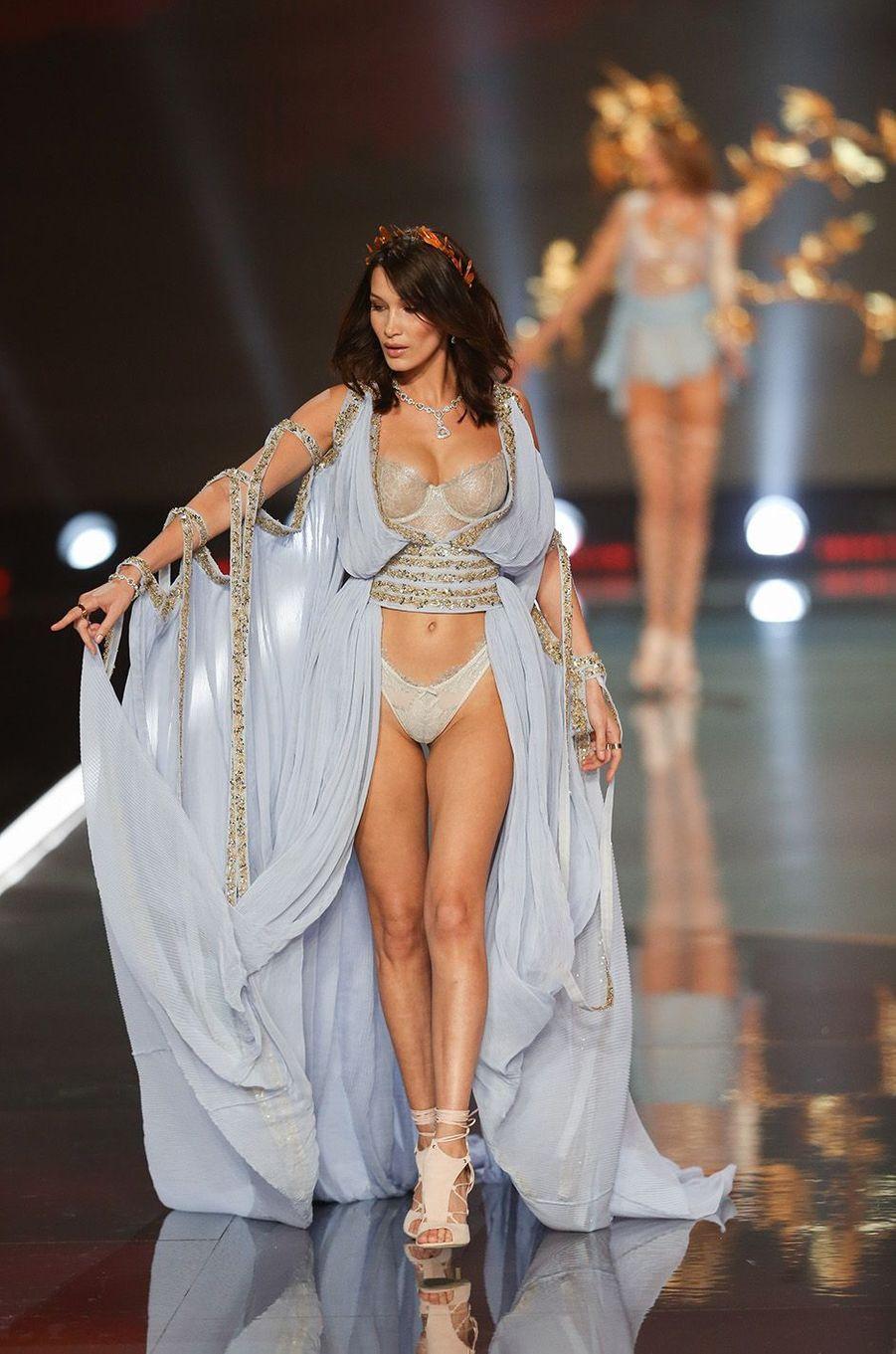 Bella Hadid lors du 22e show Victoria's Secret, à Shanghai.