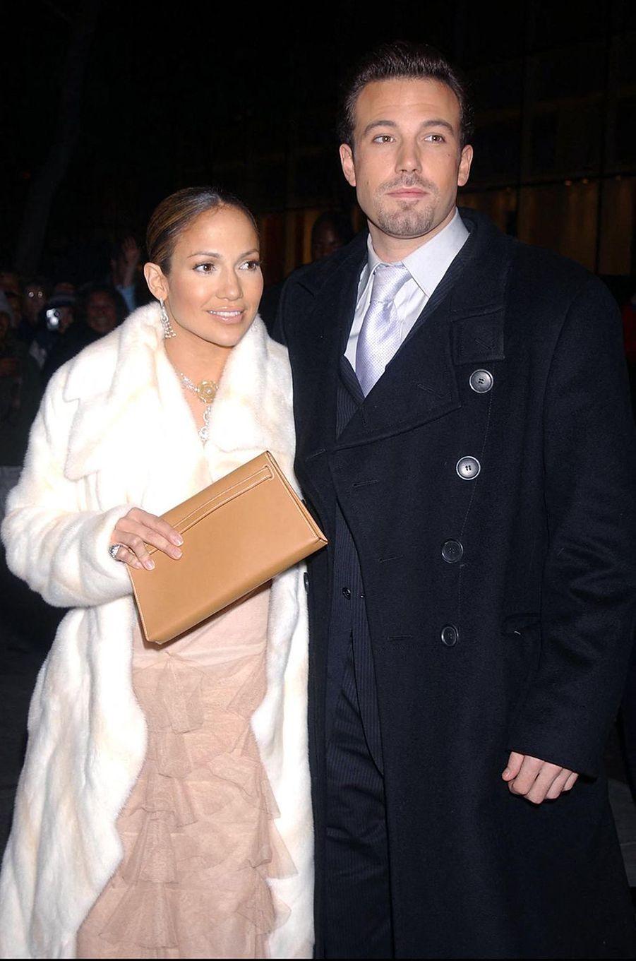 Jennifer Lopez et Ben Affleck à la première du film «Coup de foudre à Manhattan» à New York en décembre 2002