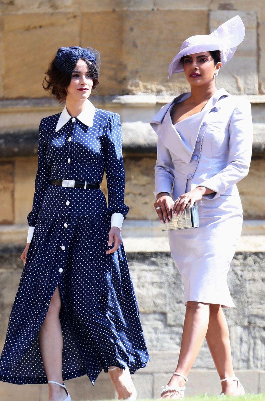 Priyanka Chopra accompagnée d'Abigail Spencer au mariage de Meghan et Harry, le 19 mai 2018.