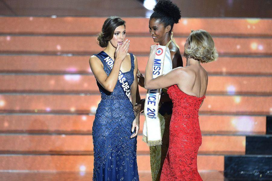 Iris Mittenaere est sacrée Miss France 2016 à Lille le 19 décembre 2015