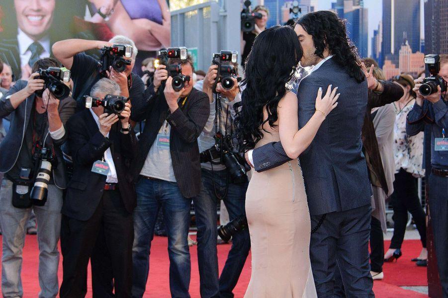 Katy Perry et Russell Brand à l'avant-première du film «Arthur, un amour de milliardaire» à Londres en avril 2011