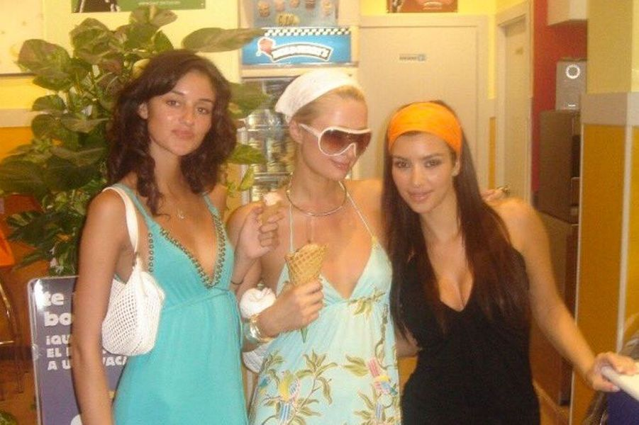 Caroline Damore, Paris Hilton et Kim Kardashian