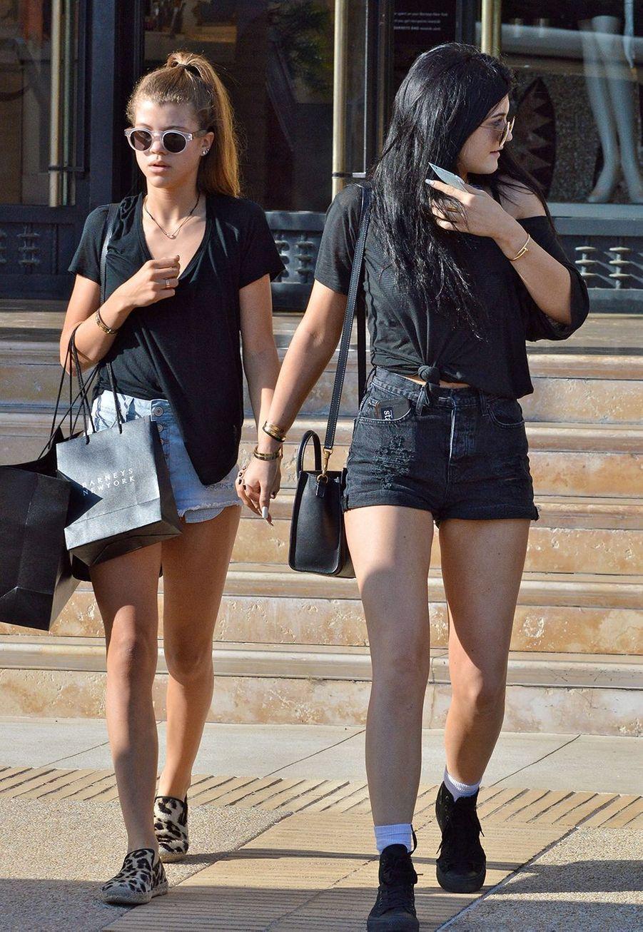 Sofia Richie et Kylie Jenneren virée shopping à Beverly Hills en septembre 2013