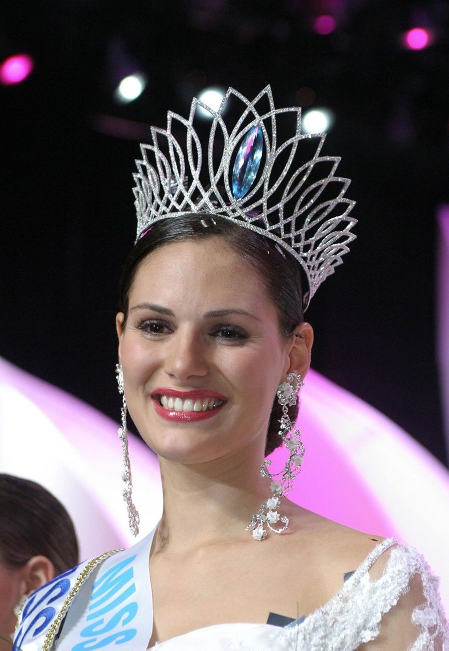 Lætitia Bléger, Miss France 2004, le soir de son élection à Deauville le 13 décembre 2003