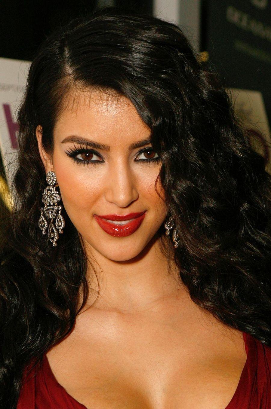Kim Kardashianà la première de l'émission «L'incroyable famille Kardashian» à West Hollywood en octobre 2007