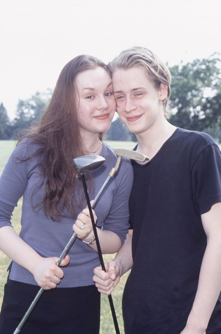 Rachel Miner et Macaulay Culkin lors d'un shooting photo en 1999