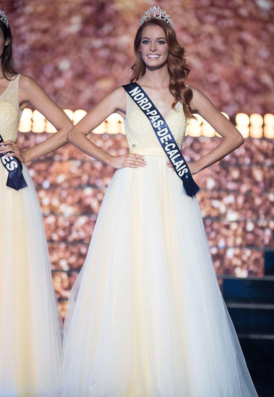Maëva Coucke lors de l'élection de Miss France 2018 à Châteauroux le 16 décembre 2017