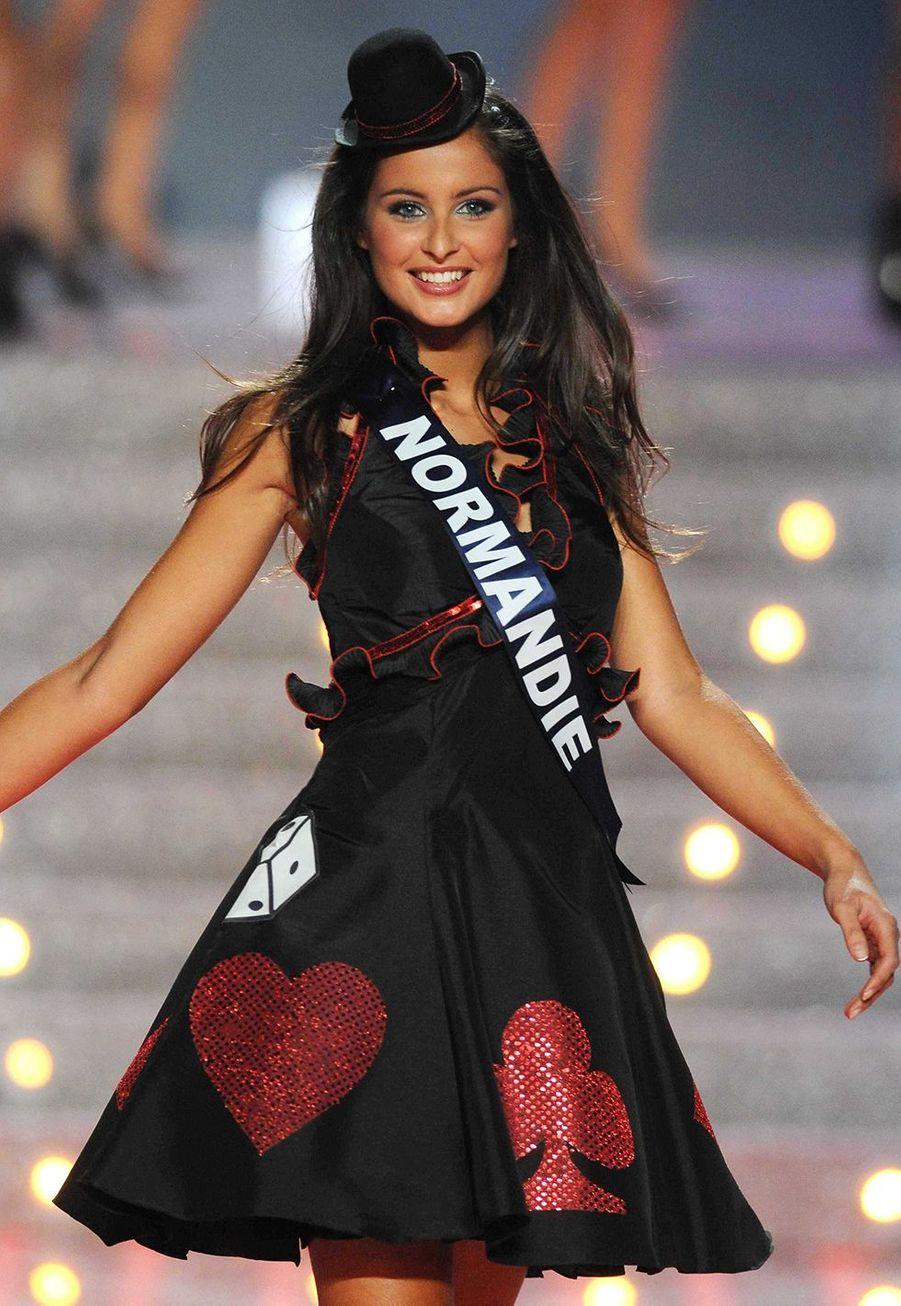 Malika Ménard lors de l'élection de Miss France 2010 à Nice le 5 décembre 2009
