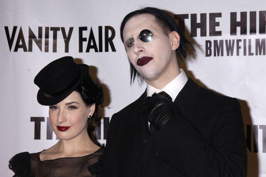 Dita Von Teese et Marilyn Manson en octobre 2002 lors de la première du film «Hostage» à Hollywood