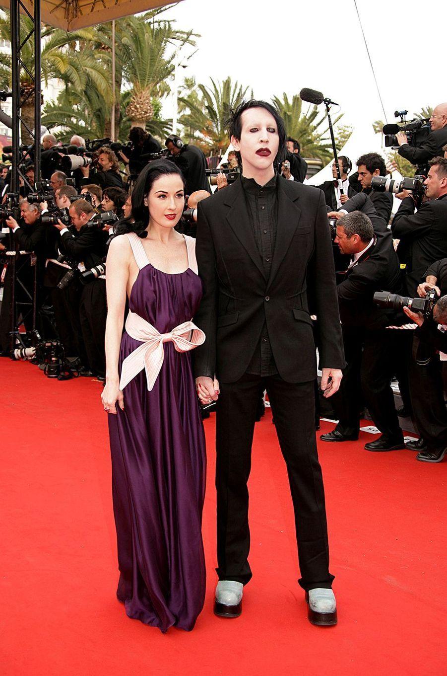 Dita Von Teese et Marilyn Manson à la première du film «Selon Charlie» au Festival de Cannes en mai 2006