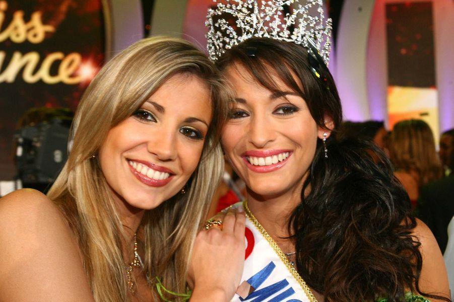 Alexandra Rosenfeld et Rachel Legrain-Trapani, Miss France 2007, le soir de son électionauPalais des congrès du Futuroscope le 9 décembre 2006