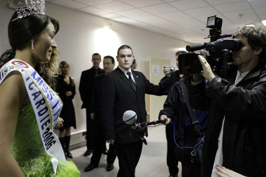 Rachel Legrain-Trapani face aux journalistes le soir de son électionauPalais des congrès du Futuroscope le 9 décembre 2006