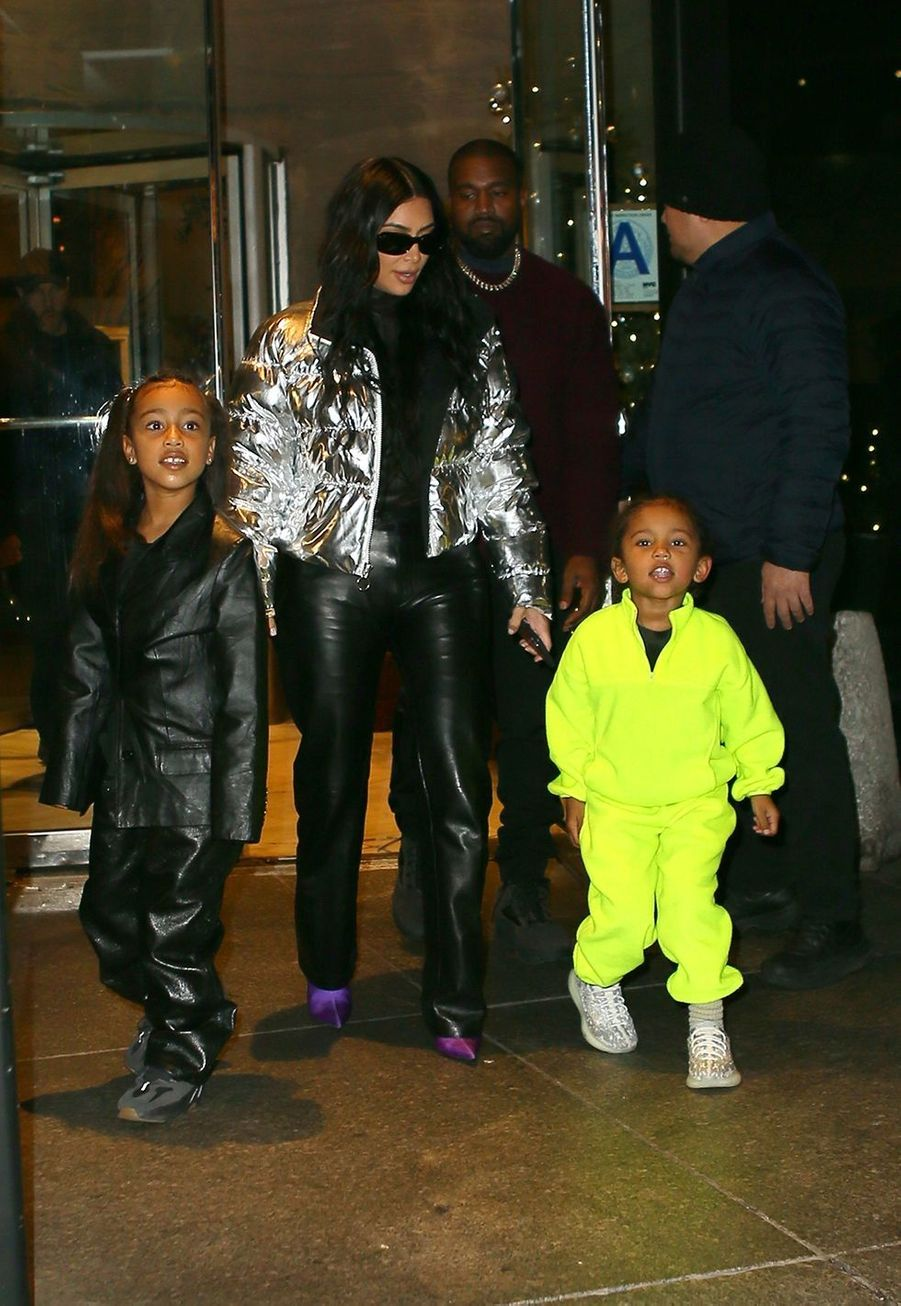 Kim Kardashian, Kanye West et leurs enfants North et Saint à New York le 22 décembre 2019