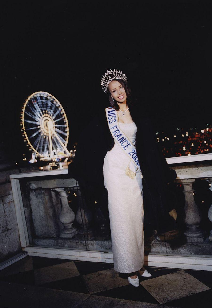 Sonia Rolland lors d'un shooting photo après son élection, décembre 1999