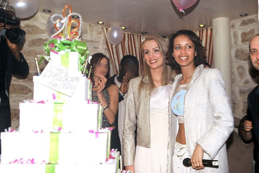 Elodie Gossuin et Sonia Rollandaux célébrations des 20 ans de Sonia Rolland à Paris en février 2001