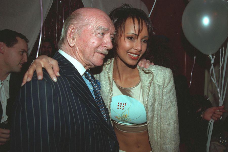 Sonia Rolland avec Eddie Barclay aux célébrations de ses 20 ans à Paris en février 2001