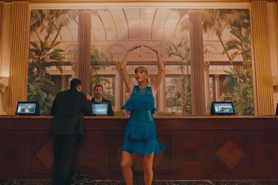 """Taylor Swift dans le clip """"Delicate"""""""