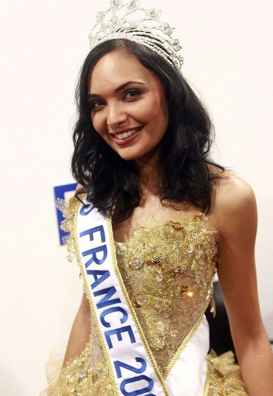 Valérie Bègue, alias Miss France 2008, après son élection à Dunkerque le 8 décembre 2007
