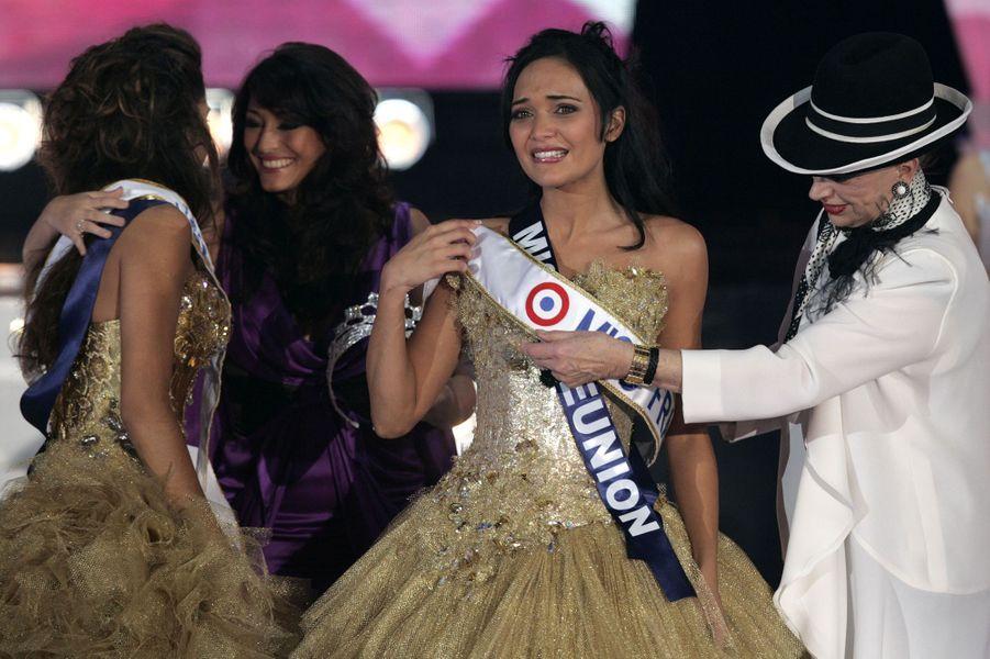 Valérie Bègue est sacrée Miss France 2008 à Dunkerque le 8 décembre 2007