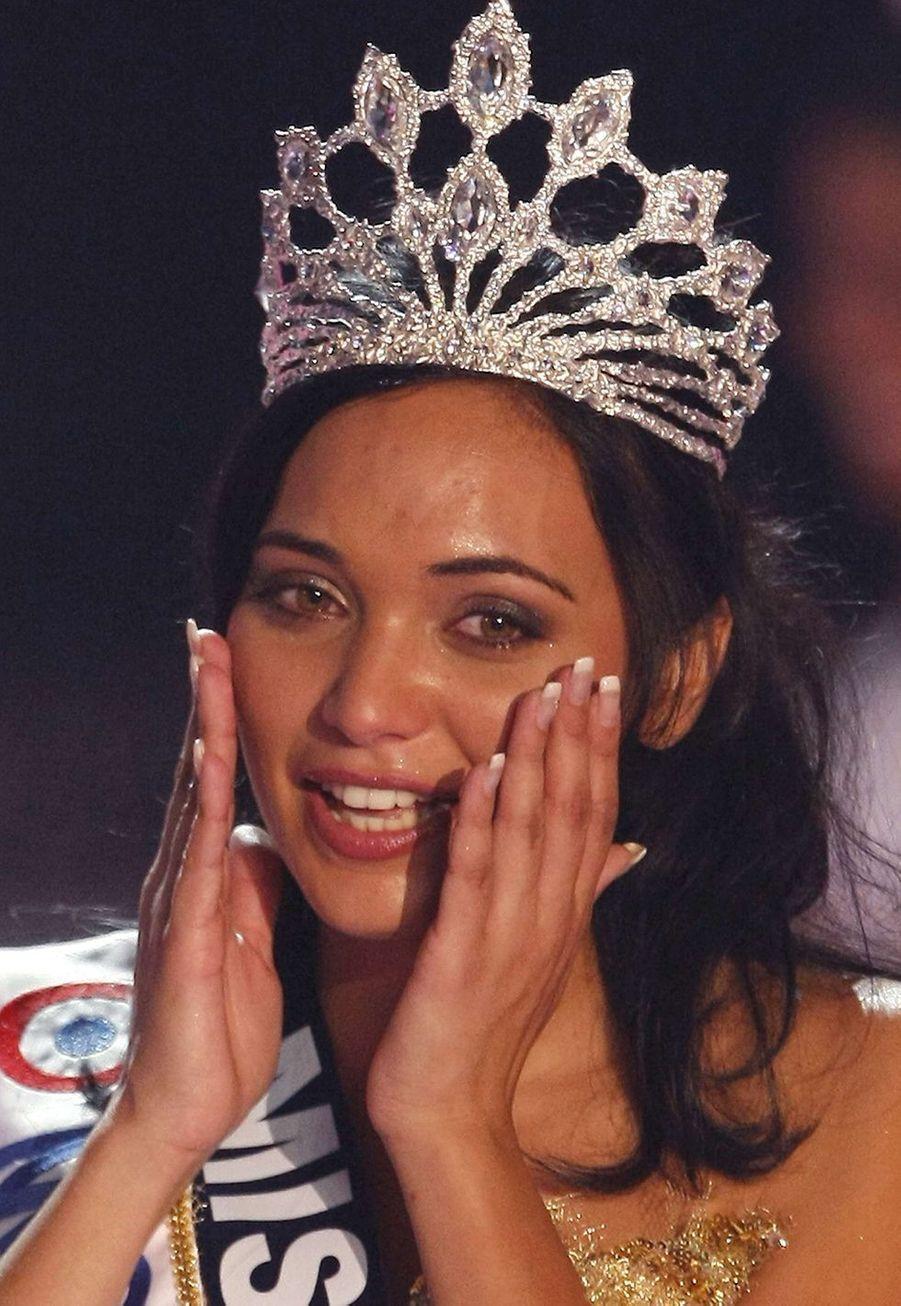 Valérie Bègue est sacrée Miss France 2008 à Dunkerquele 8 décembre 2007