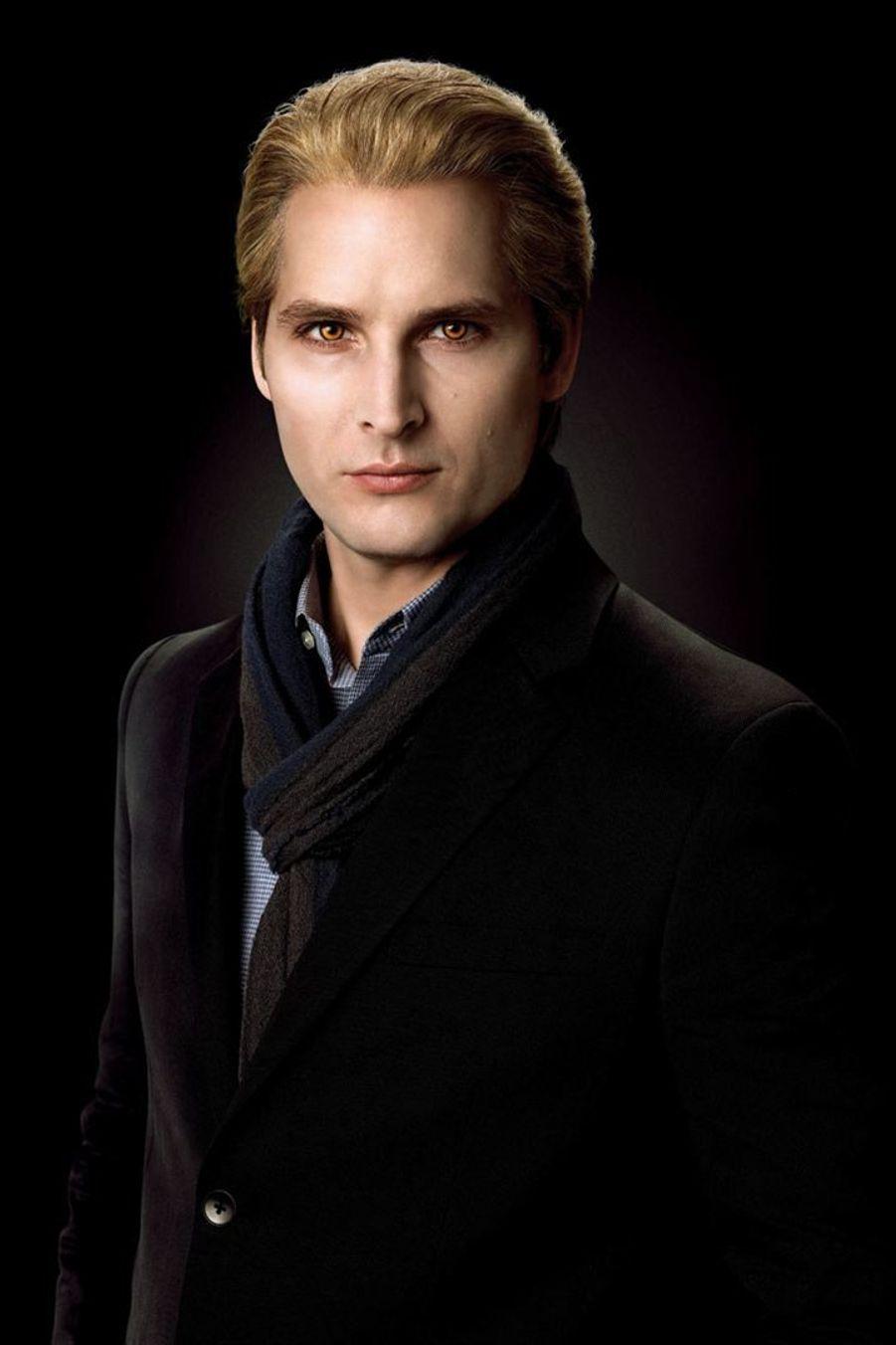 Peter Facinelli alias Carlisle Cullen