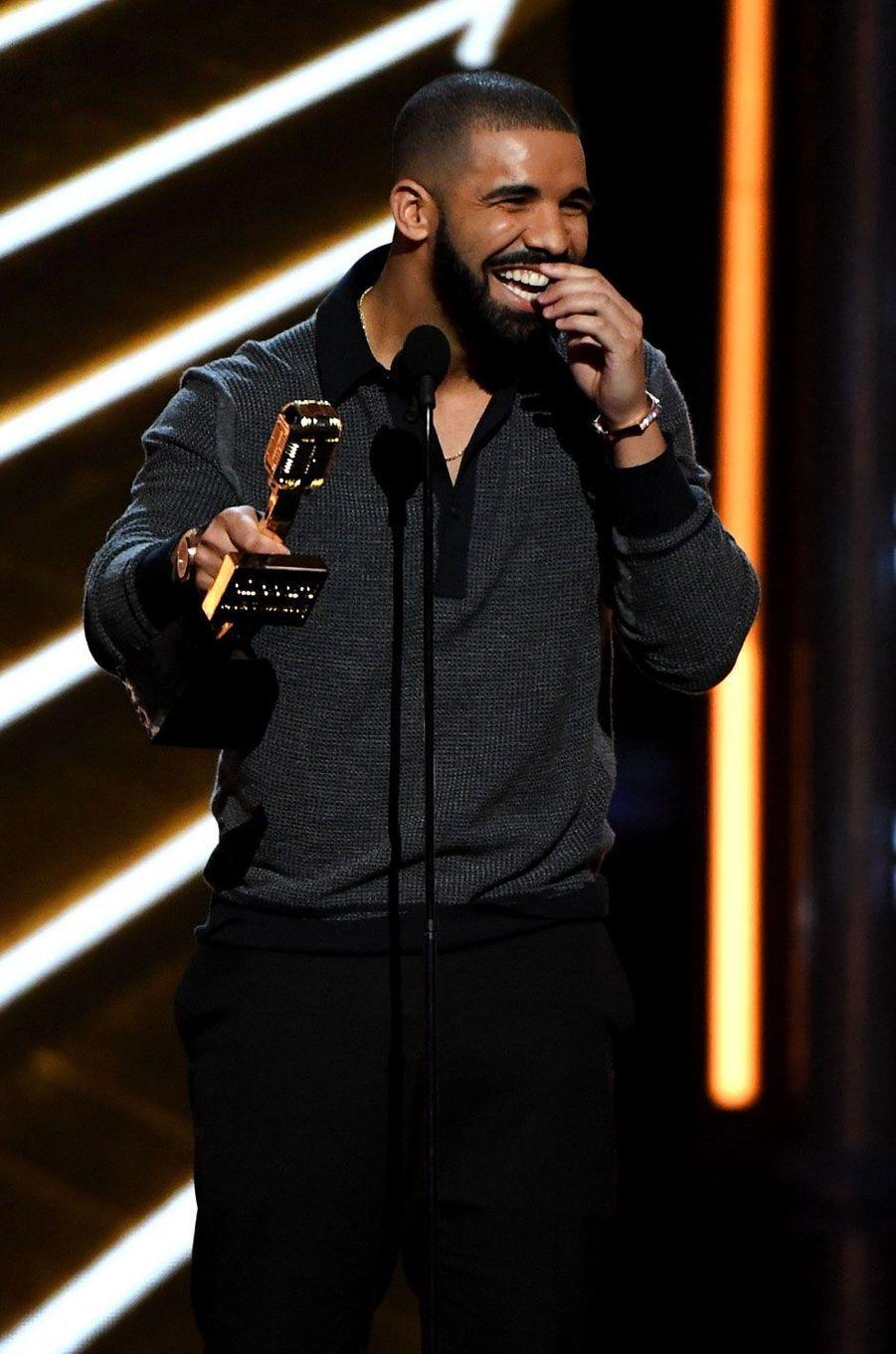 Drake, 94 millions de dollars