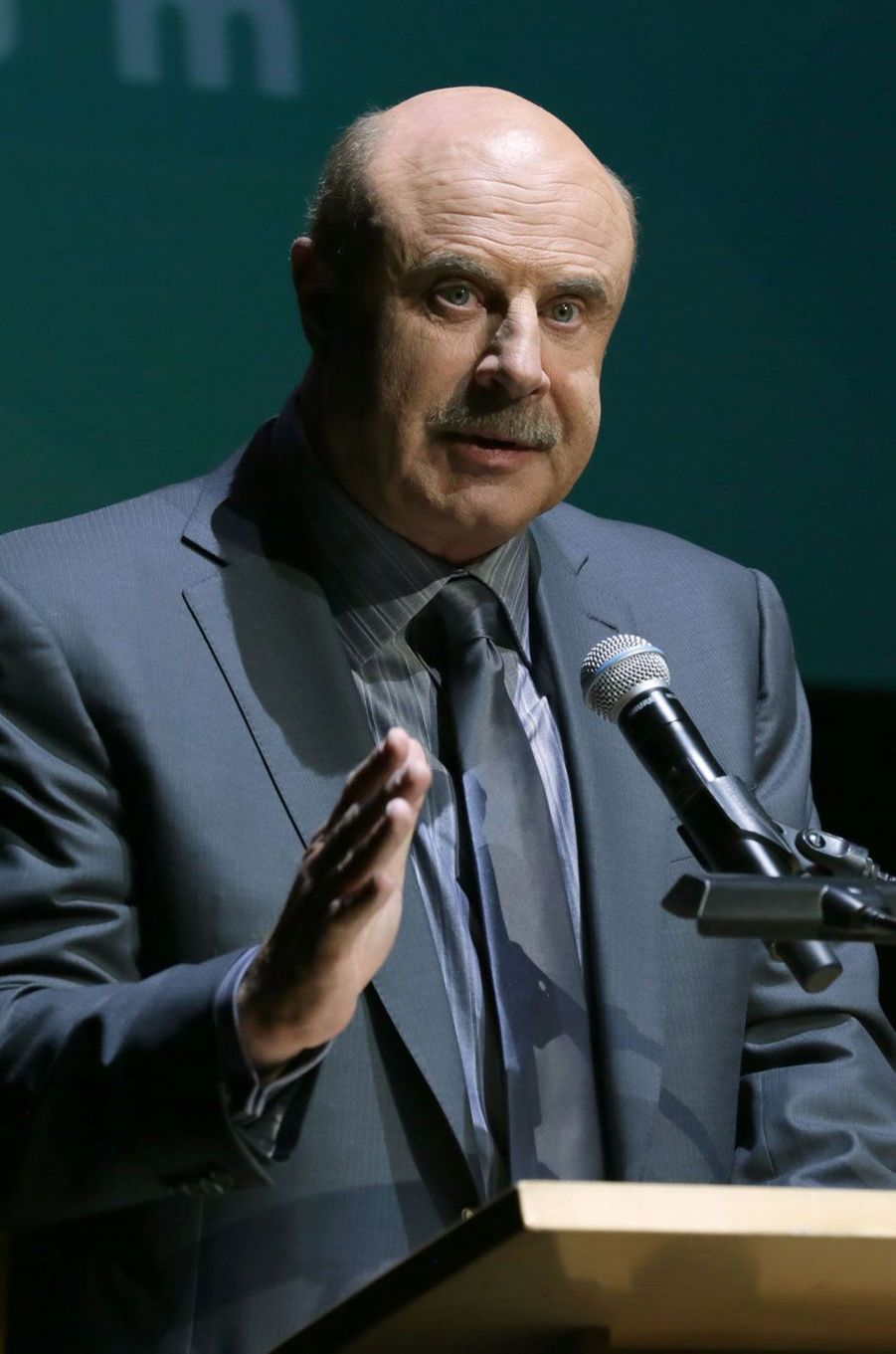Dr. Phil Mcgraw, 79 millions de dollars